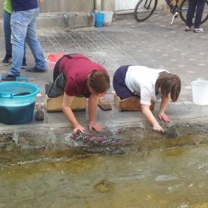 Lavare i panni alla fonte Mercato Saperi